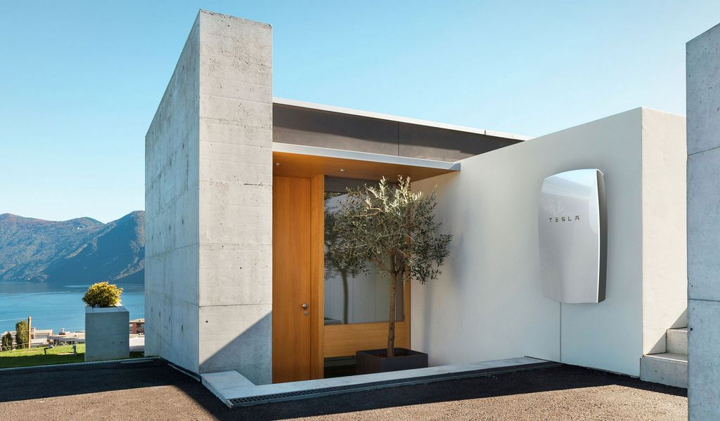 Solar Powered Homes are Back – Here's Why